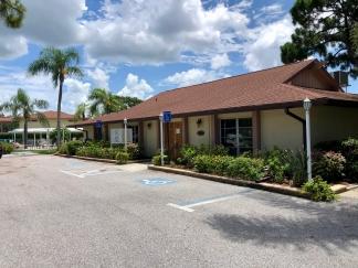 Gorgeous, Sarasota, End-Unit, 2/2 Villa For Rent - 55+ Community