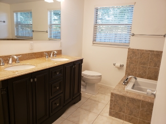 Centrally Located Sarasota 2-bedroom Home For Rent